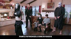 Najdziksza wersja porno XXX legendarnej rodziny Addamsów