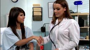 Niespodzianka lesbijskie spotkanie seksualne z lekarzem